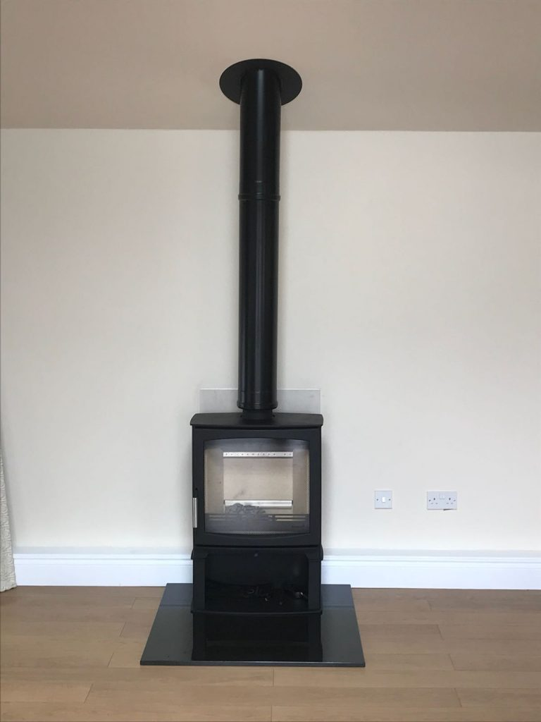 Stove and flue installation